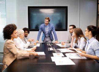 """""""Beidhändig Führen"""" – die Führungs- und Steuerungsfunktion erfolgreich wahrnehmen"""