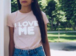 Wie können Jungunternehmer ein erfolgreiches T-Shirt-Business im Internet gründen