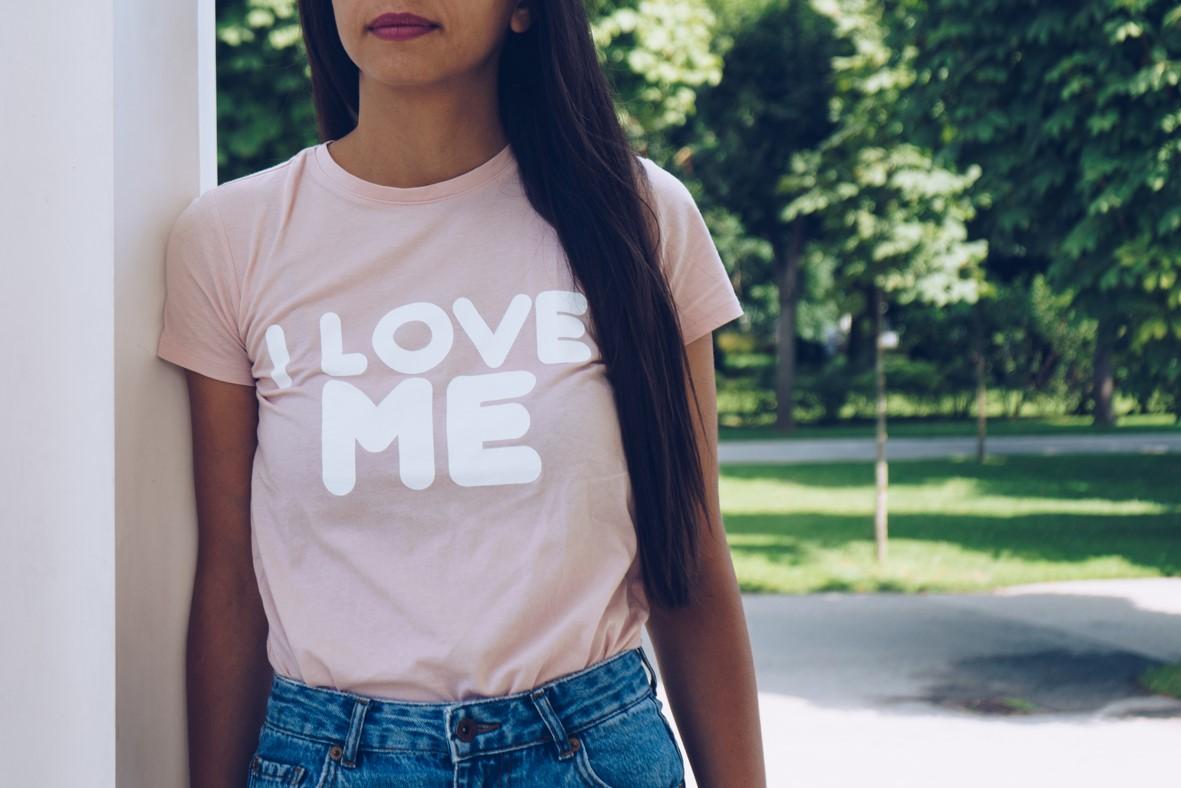 online shop: erfolgreicher verkauf der eigenen t-shirts