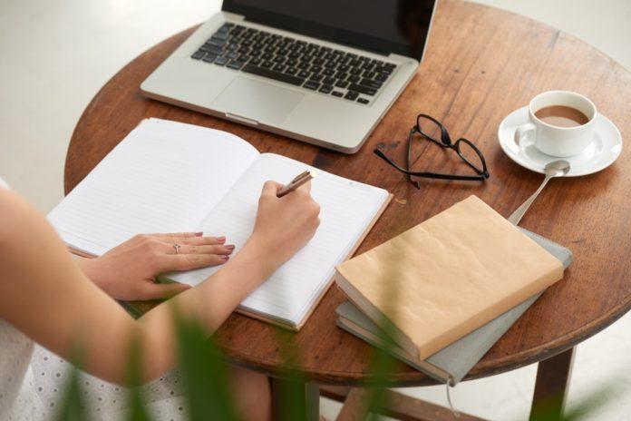 Bachelorarbeit schreiben lassen: wie man den Ghostwriter auswählt